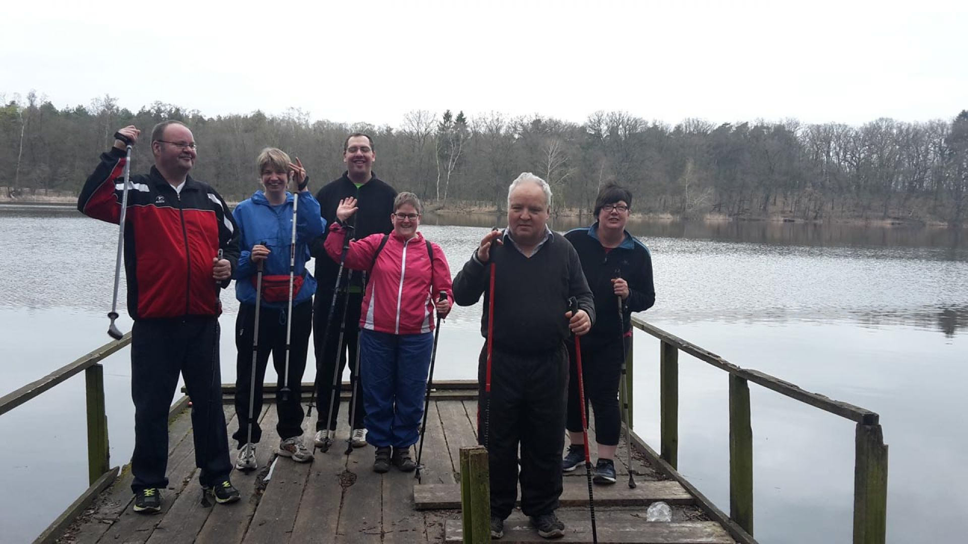 nordic-walking-workout-gruppe